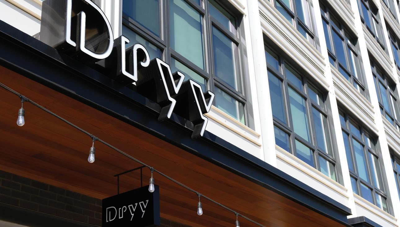 05B_Dryy_Slider_ExteriorSign